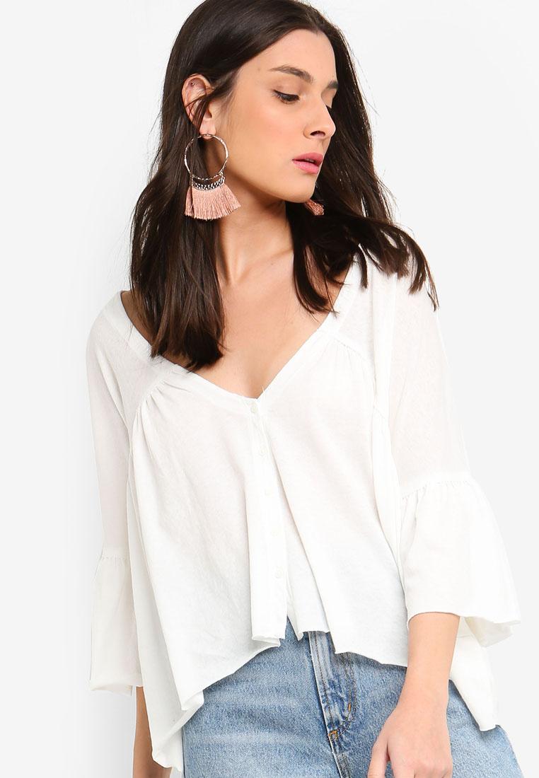 3f9816f768d https://www.zalora.com.my/ichi-snilla-blouse-white-1558691.html ...