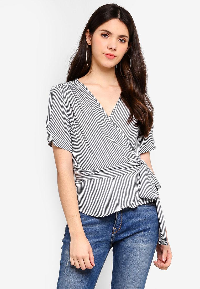 bb99460e9c https   www.zalora.com.my ichi-snilla-blouse-white-1558691.html ...